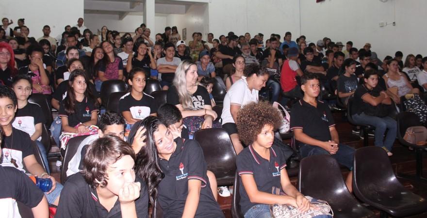 Visita às escolas: defesa da hora-atividade e preparação da greve