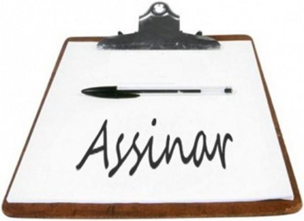 Educadores/as recolhem assinaturas para projetos de lei de iniciativa popular