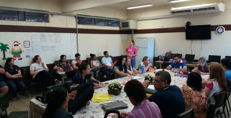 APP-Sindicato/Foz nas escolas mobiliza categoria para a assembleia estadual