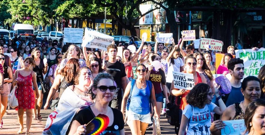 Marcha da Mulher em Foz: nenhuma a menos, Nenhum direito a menos