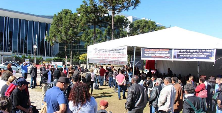 APP-Sindicato/Foz convoca a base para ato em Curitiba nesta terça