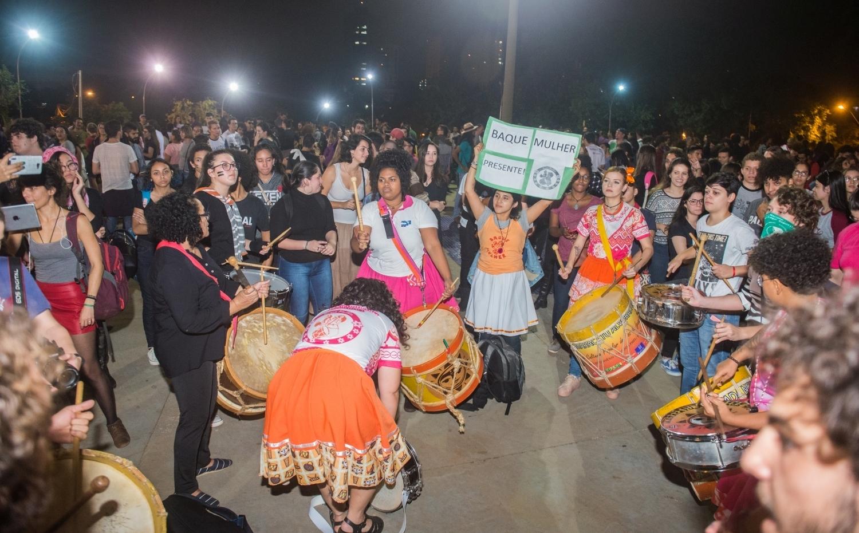 Protesto contou com intervenções artísticas e culturais - foto Marcos Labanca