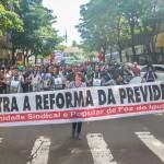 Mais de 7 mil pessoas participaram da manifestação contra a reforma da Previdência e o corte de verbas para a educação - foto Marcos Labanca