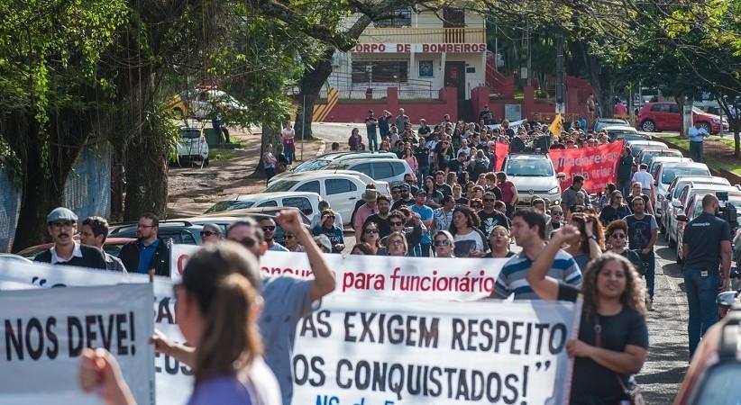 Se reforma da Previdência de Ratinho Jr seguir, o ano letivo vai parar: assembleia estadual neste sábado
