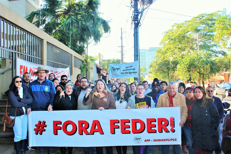 Para os servidores, Renato Feder defende a educação privada em detrimento da escola pública - foto Assessoria