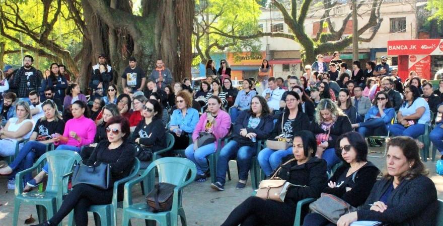 Professores, pedagogos e funcionários avaliaram os rumos da greve - foto Assessoria