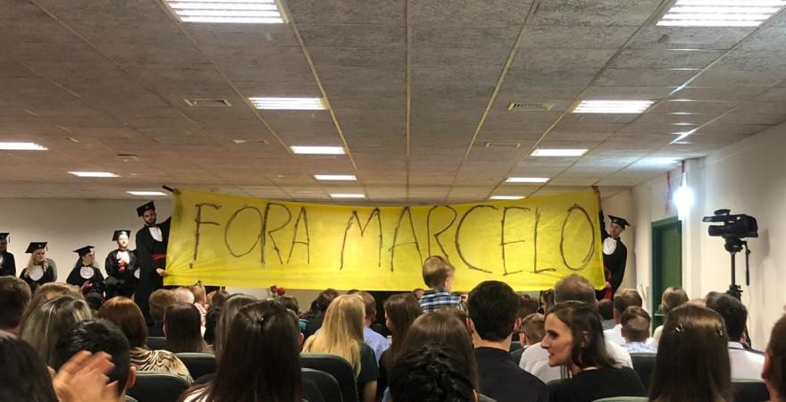 Contra a intervenção na UFFS: estudantes ocupam reitoria e campus