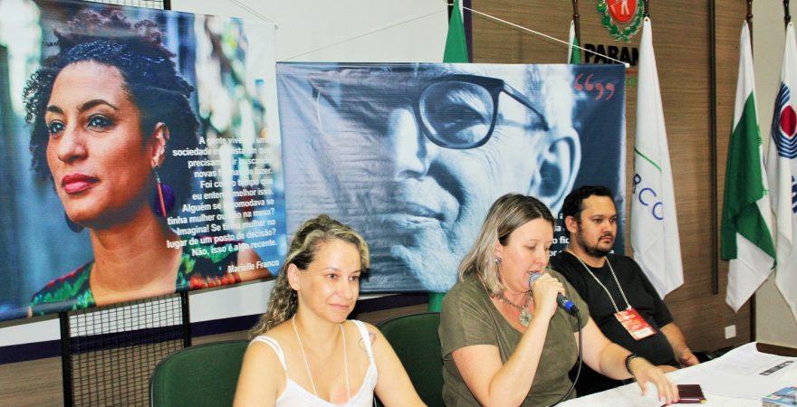 Educadores(as) discutem frentes e formas de luta por direitos e pela escola pública