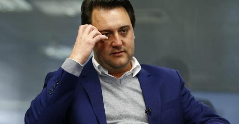 Ratinho Junior ataca associações e sindicatos de servidores(as)