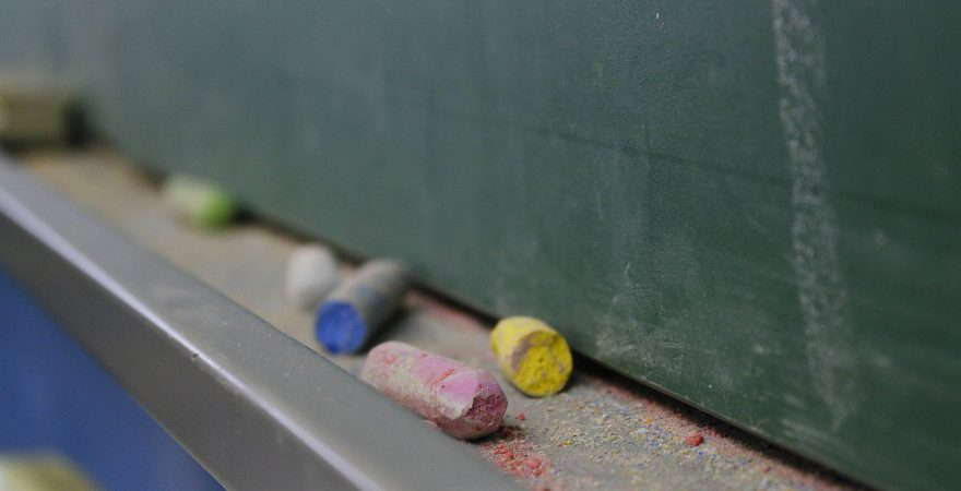 EaD é iniciativa da SEED e não das escolas, alertam instituições de ensino